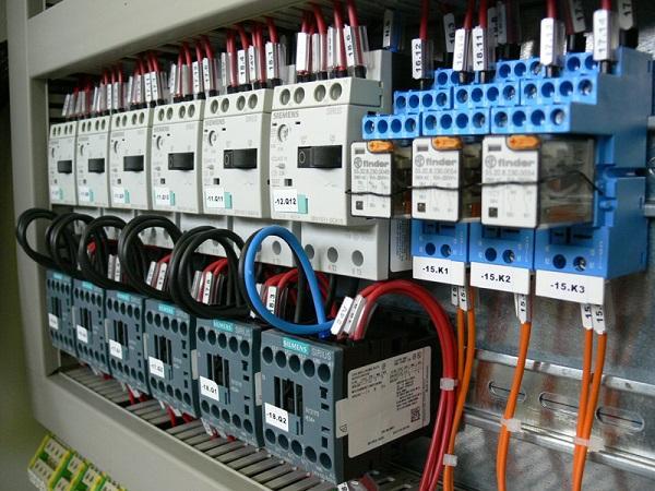 Servicios Distribuidor de productos electricos industriales y de automatizacion